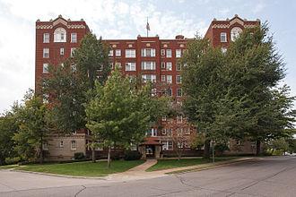 Downtown Tulsa - Sophian Plaza Apartment-Hotel in SoBo area of Downtown Tulsa