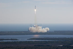 SpaceX Dragon COTS-1 launch.jpg