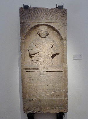 Legio II Augusta - Funerary stele of legionnaire Caius Largennius of the Legio II Augusta, found in Strasbourg (district of Kœnigshoffen) (Musée archéologique de Strasbourg)