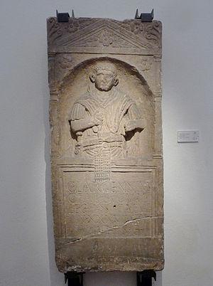 Legio II Augusta - Funerary stele of legionnaire Caius Largennius of the Legio II Augusta, found in Strasbourg (district of Kœnigshoffen) (Musée archéologique de Strasbourg)