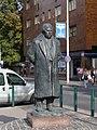 Statue of Zsigmond Móricz (Budapest).JPG