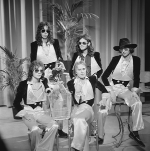 Steve Harley - Cockney Rebel appearing on AVRO's TopPop TV show in 1974.