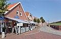 Straße in Ditzum b, Ostfriesland.jpg