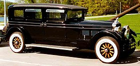 Stutz Vertical Eight AA Limousine 1927.jpg