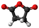 Succinic-anhydride-3D-balls.png