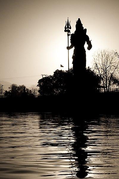 La Puissance des Mantras démontré scientifiquement 400px-Sunrise_view_of_Shiva_statue_near_Har-ki-pauri%2C_Haridwar