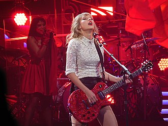 The Red Tour - Image: Taylor Swift Red Tour 08