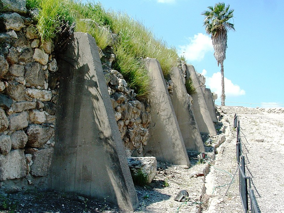 Tell Megiddo – Preservation with concrete pillars