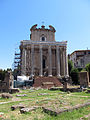 Temple of Antoninus and Faustina (15235264721).jpg