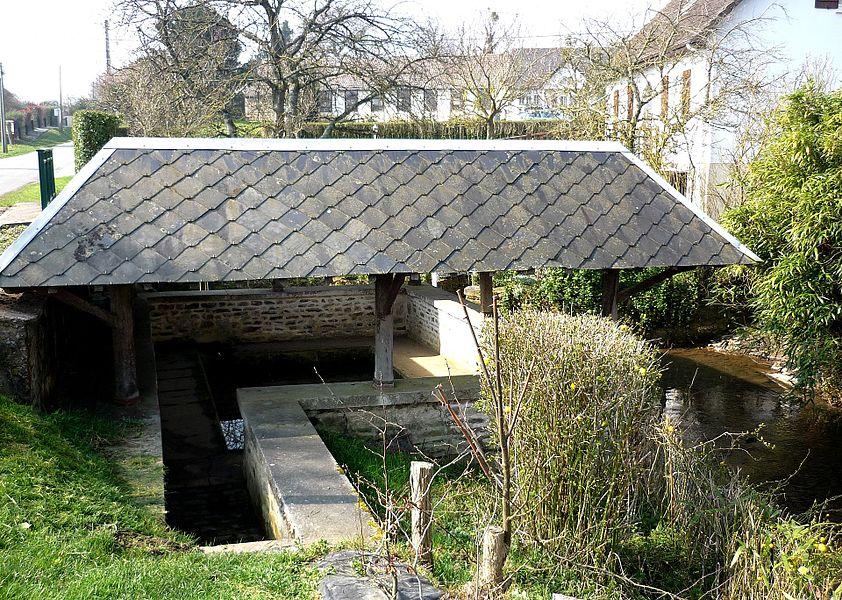 Lavoir sur la rivière le Bordel affluent de la Seulles à Tessel (Calvados)