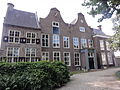 Tiel Rijksmonument 35556 Ambtmanshuis, nu Gemeentehuis, tuinzijde.JPG