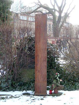 Heiner Müller - Heiner Müller's grave in Berlin