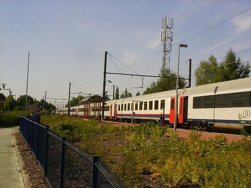 Long train at Eupen train station