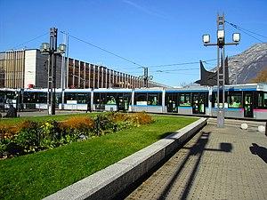 Un couple épatant - Grenoble's train station