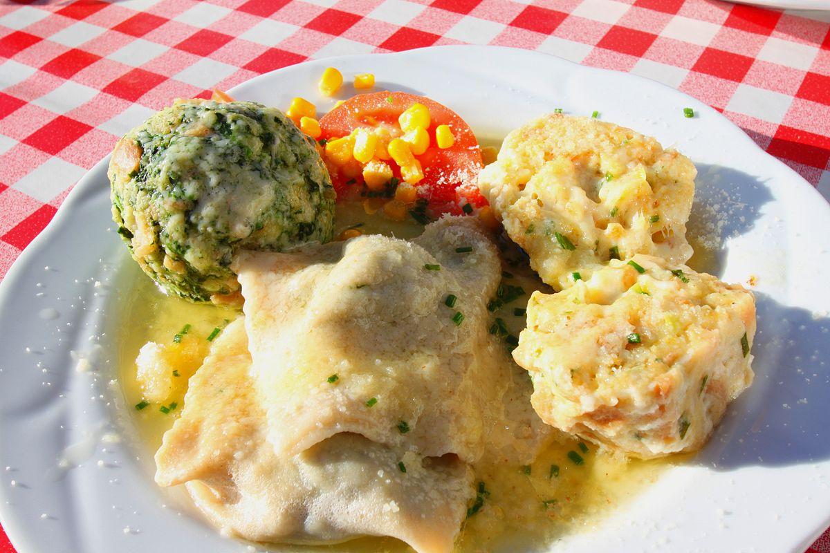 Kulinarische kuche wikipedia for Ungarische kuche spezialitaten