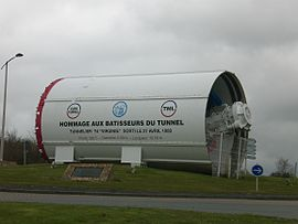 The tunnel boring machine in Coquelles, as a tribute to the builders of the tunnel