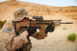 FN SCAR - A U.S. Navy SEAL with the SCAR-H STD (Mk 17)
