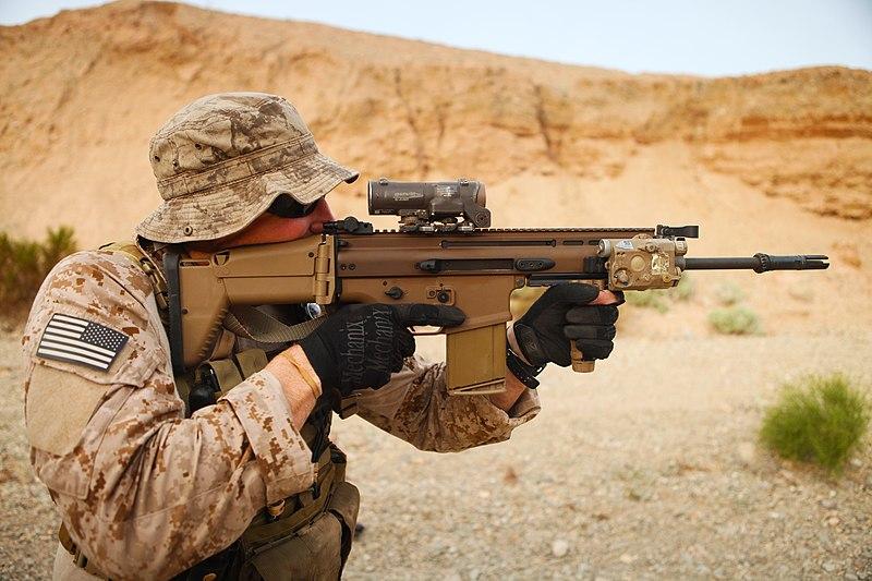 800px-United_States_Navy_SEALs_121.jpg