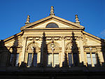 Upper facade of Sheldonian Theatre, Oxford.jpg