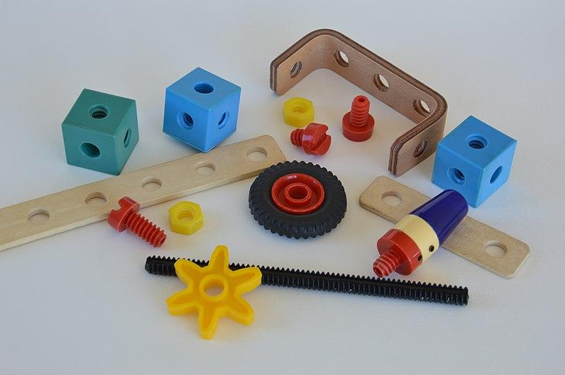 File:VERO Construc diverse Teile.JPG
