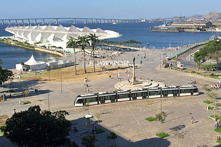 Maua Square, with the Museum of Tomorrow, designed by Santiago Calatrava, and the light rail VLT Rio 09 2016 3355.jpg