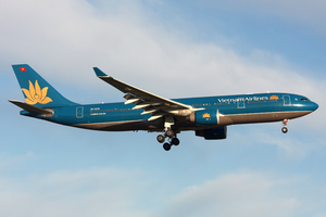 Vietnam Airlines A330-200 VN-A376 MEL 2011-7-16.png