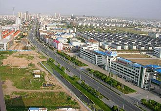 Qidong, Jiangsu - Looking southeast on the city, with downtown at the upper left (2007)