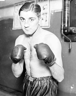 Vince Dundee American boxer