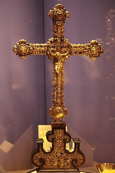 File:Vortragekreuz (13. Jh. Kloster Tennenbach, Baden-Württemberg.jpg