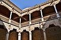 WLM14ES - Patio interior, Casa de las Conchas, Salamanca - MARIA ROSA FERRE (1).jpg