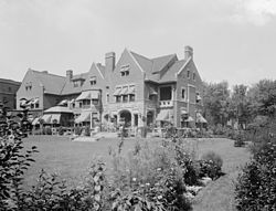 Walker House Detroit c1910.jpg