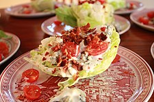 https://upload.wikimedia.org/wikipedia/commons/thumb/4/41/Wedge_salad_%286604702235%29.jpg/225px-Wedge_salad_%286604702235%29.jpg