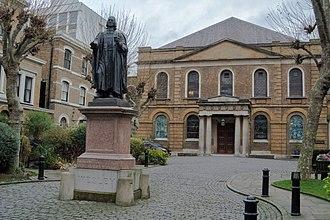 Wesley's Chapel - Chapel and courtyard