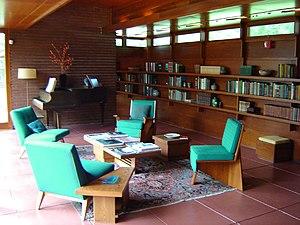 Rosenbaum House - The living room