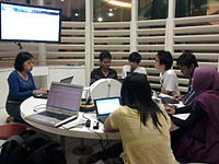 Wikimedia Project Class 19 May 2011.jpg