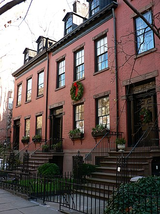 150-159 Willow Street, three original red-brick early 19th-century Federal Style houses in Brooklyn Heights Willow Street Brooklyn Heights 2006.jpg