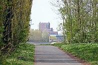 Woontoren Rode Heuvel vanaf het jaagpad achter ASZ Wetteren.jpg