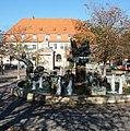 Wurstmarktbrunnen - panoramio (6).jpg