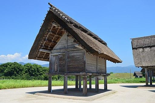 Yoshinogari-iseki takayukashiki-souko
