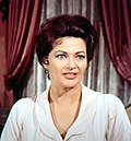 Yvonne De Carlo Mclintock 01.jpg