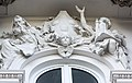 Zachęta - front - figura nad wejściem.jpg