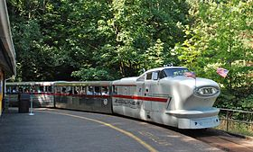 Zooliner train - Washington Park & Zoo Railway, cropped.jpg