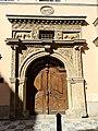 Zu den 2 goldenen Bären (Prag) Portal.jpg