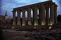 Ägypten 1999 (240) Tempel von Luxor- Säulenkolonnadeg (28220679085).jpg