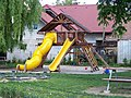 Šestajovice, Školská, klouzačka.jpg