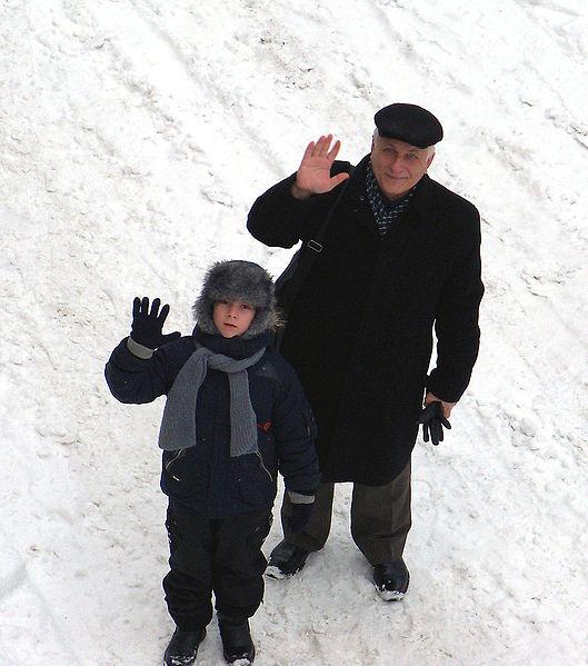 File:Внук і дід.JPG