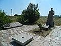 Група братських могил партизан і радянських воїнів у с. Ганнівка.jpg