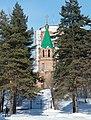 Иннокентьевский храм в Хабаровске, вид со стадиона им. Ленина.JPG