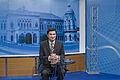 นายกรัฐมนตรีตอบคำถามเวป pm.go.th ณ สถานีโทรทัศน์ NBT ว - Flickr - Abhisit Vejjajiva.jpg