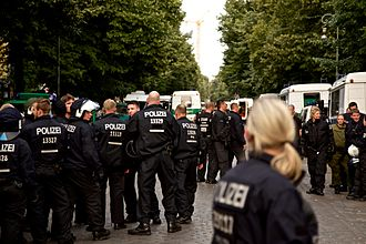 Berlin Police - Policemen and women